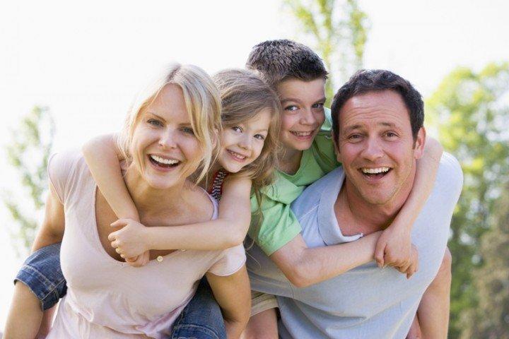 Fot. przedstawia rodzinę.